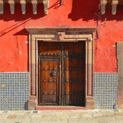 Red-blue_Door-Square